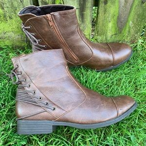 Ruff Hewn Brown Boots Lace Up Backs